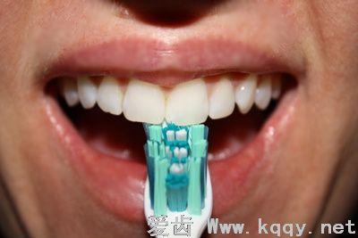 什么是巴斯刷牙法(贝氏刷牙方法)图解